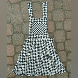 """H"" F21 pinafore jumper dress herringbone print"